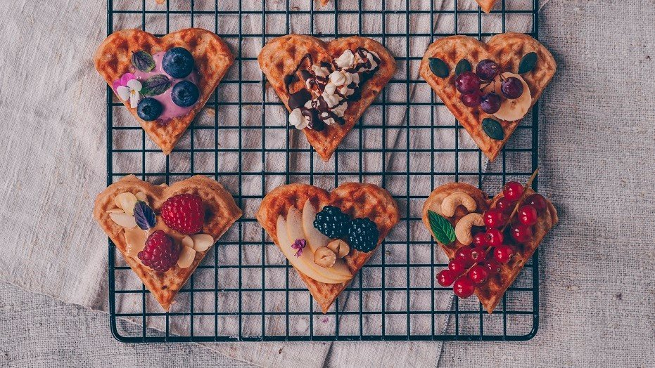 Apple Waffles – One Waffle, Lots of Topping