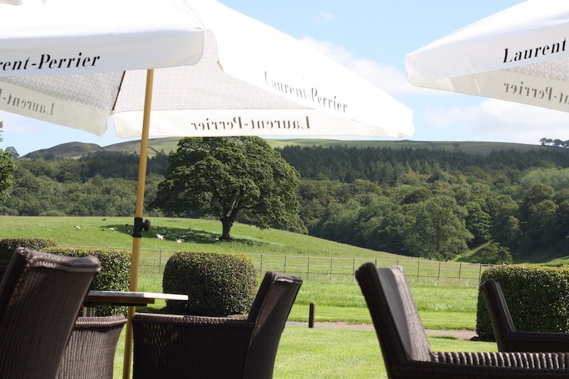 The Devonshire Arms Hotel & Spa Laurent-Perrier Champagne & Seafood Terrace