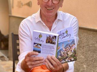Author James Vasey