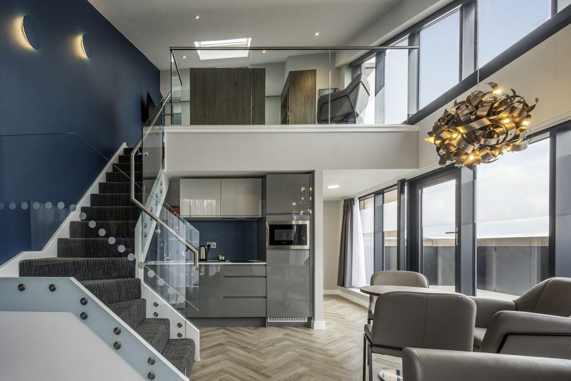 Roomzzz Aparthotels Design Suite Lounge